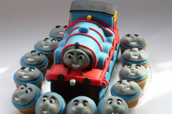 thomas and friends cupcake ideas