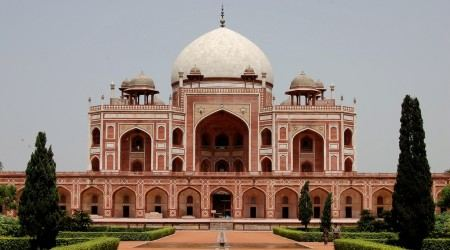 Humayuns-Tomb-in-Delhi-India