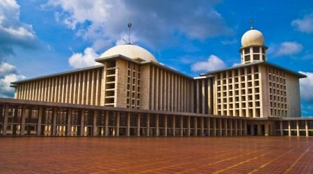Istiqlal-Mosque-in-Jakarta-Indonesia