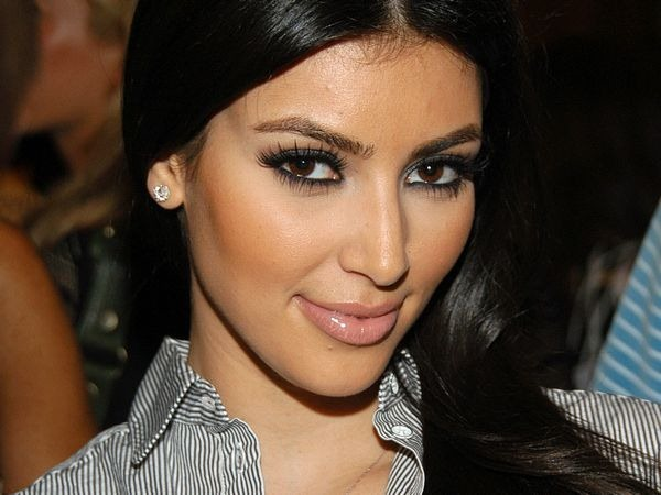 amazing_kim_kardashian_wallpapers_12