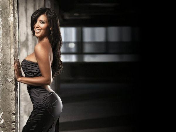 amazing_kim_kardashian_wallpapers_18