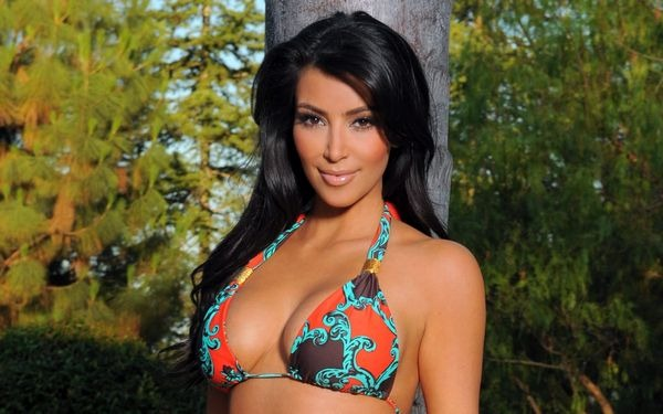 amazing_kim_kardashian_wallpapers_27